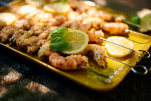 brochettes crevettes-citron-basilic